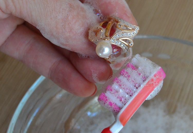 Как лучше чистить золото в домашних условиях 472