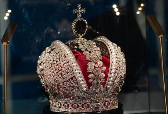 Шпинель - камень из царской короны, фото
