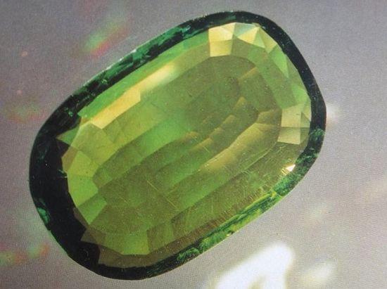 Хризолит из Алмазного фонда, фото