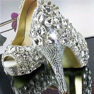 Обувь со стразами Сваровски
