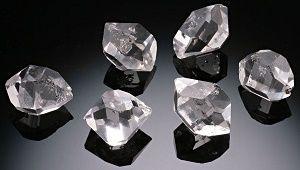 Горный хрусталь - полудрагоценный камень