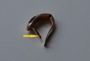 Крючок в английской застежке сережек