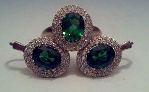 Синтетические фианиты зеленого цвета