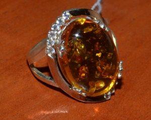 Прессованный янтарь - подделка натурального камня