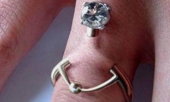 Пирсинг вместо обручального кольца